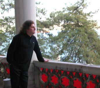 Atatürk'ün Balkonundan Denize Bakarken…